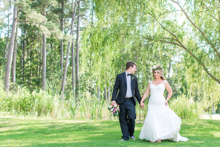Bride and groom willow tree portrait